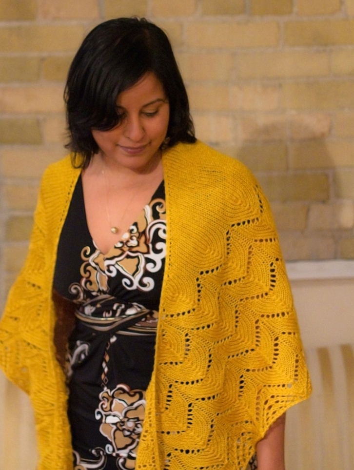 travelling woman shawl