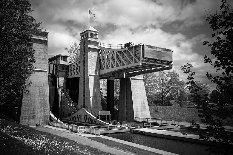 Blue Book Construction >> Peterborough Lift Lock | The Blue Brick | Inspired Yarns